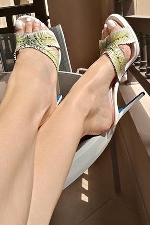 mistress dubai feet legs