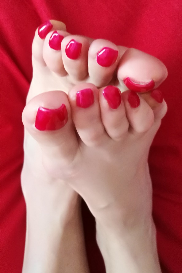 mistress dubai red polish