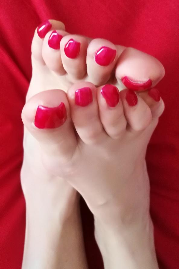 mistress dubai red polish
