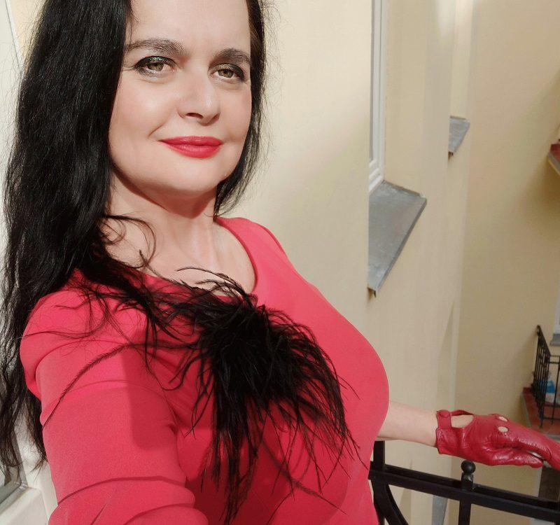 dominatrix dinah